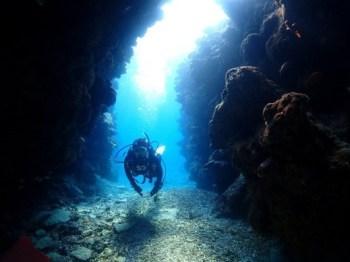 洞窟の光もきれいです。